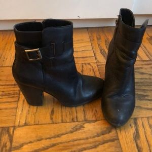 VINCA CAMUTO leather booties